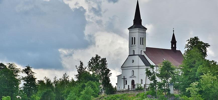 kostel-v-malenovicich-na-vrchu-borova