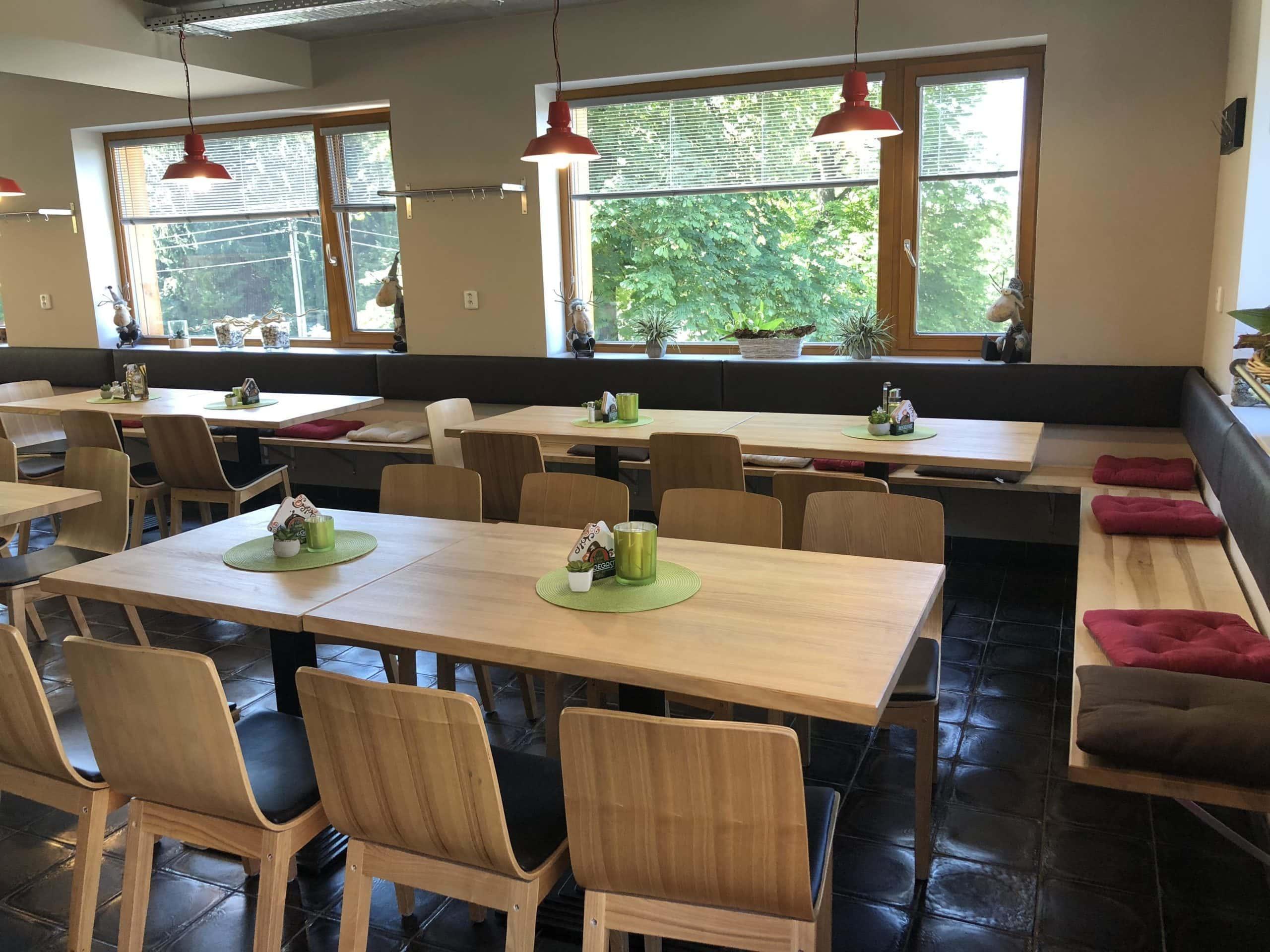 Po medvědích tlapkách: Chata pod Lysou - restaurace
