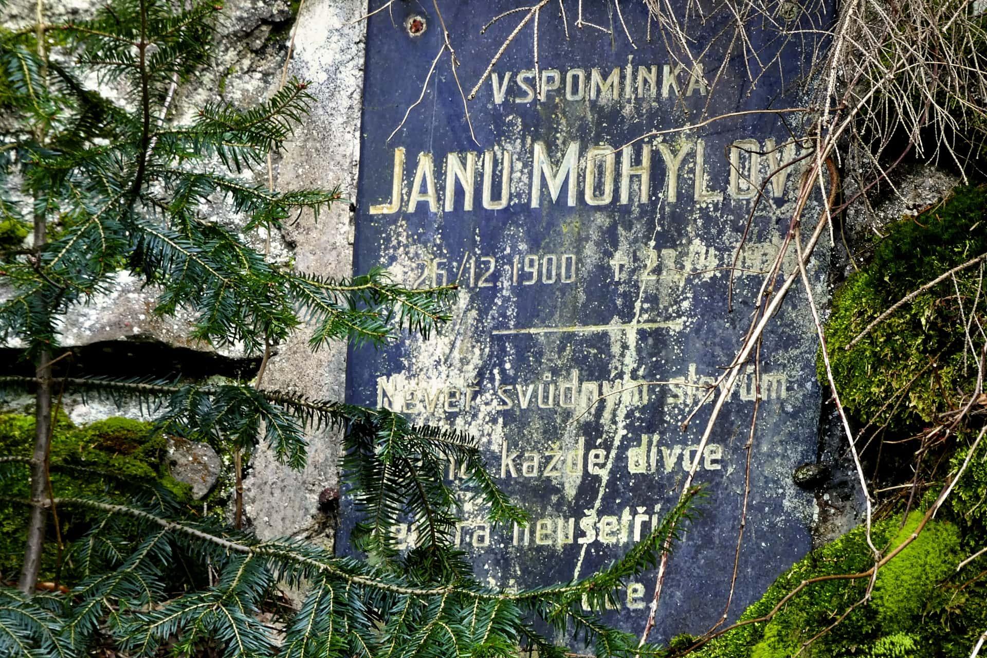 Pomník Janu Mohylovi